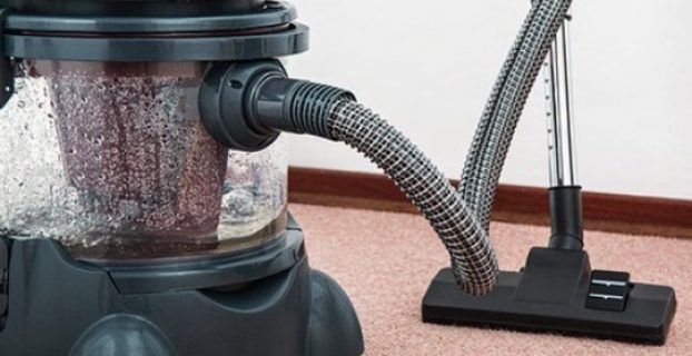 How to Use a Carpet Shampooer